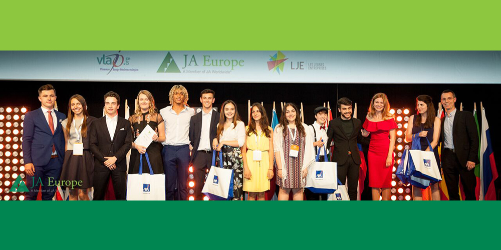 O elevă din România, premiată cu Alumni Leadership Award la JA Europe Company of the Year Competition 2017